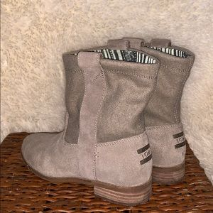 Toms Laurel Suede Booties 7